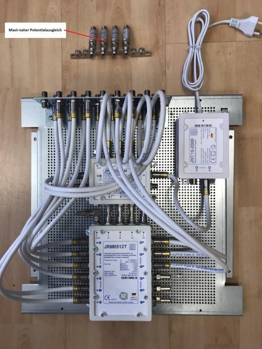 Jultec_JPS0502-8M_JRM0512T_kaskadiert_Unicable_EN50494_Legacy_Kombi.jpg