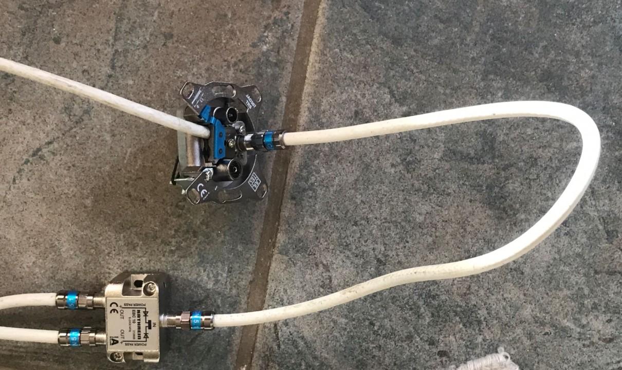 Verteiler bis 2400 MHz angeschlossen.JPG