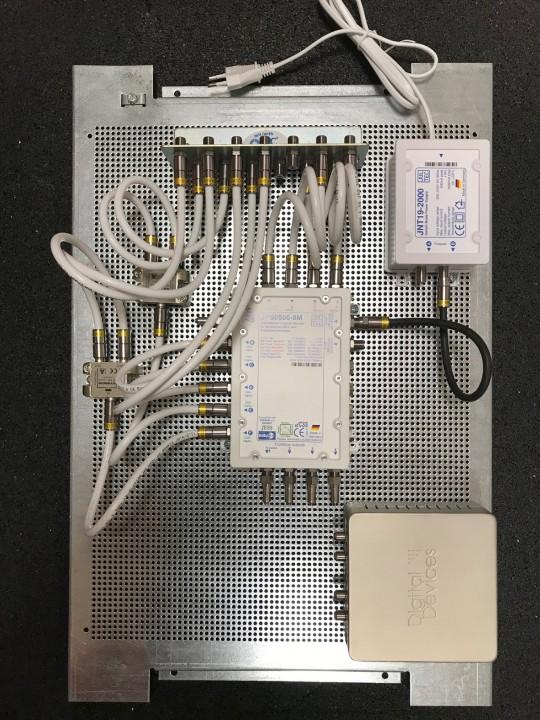 JultecJPS0506-8M_Lochblechplatte_60x40cm_Potentialausgleich-Verteilung_Verteiler (2).jpg