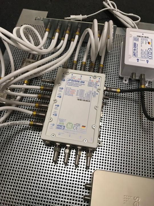 JultecJPS0506-8M_Lochblechplatte_60x40cm_Potentialausgleich-Verteilung_Verteiler (3).jpg