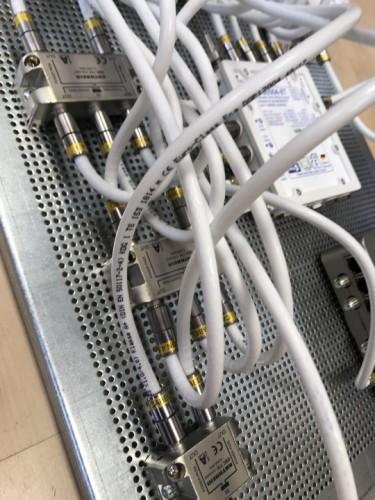 JultecJPS0504-8T_Breitband-LNB-Unicable_EN50494_Versorgung_Lochblech_Potentialausgleich_Verteilung_Sat-IP-Einspeisung (4)