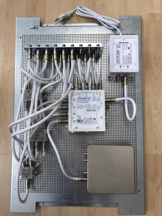 Jultec_JPS0504-8T_Breitband-LNB-Unicable_EN50494_Versorgung_Lochblech_Potentialausgleich_Verteilung_Sat-IP-Einspeisung.jpg