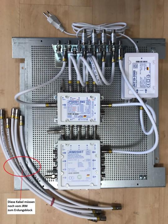JultecJPS0501-8M2_JRM0508T_Legacy-UnicableEN50494_Kombi-Aufbau_Lochblechplatte-Potentialausgleich.jpg