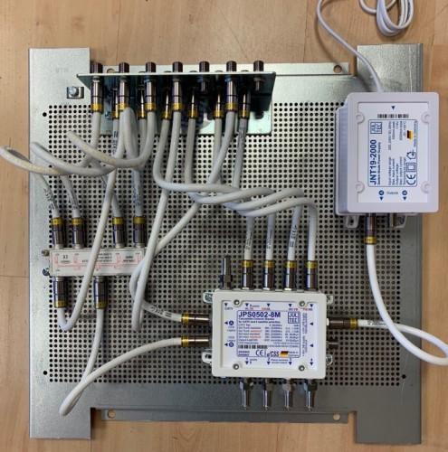 JultecJPS0502-8M_Unicable-Multischlater-EN50494_Verteiler-Potentialausgleich-Lochblechplattenaufbau (1).jpg