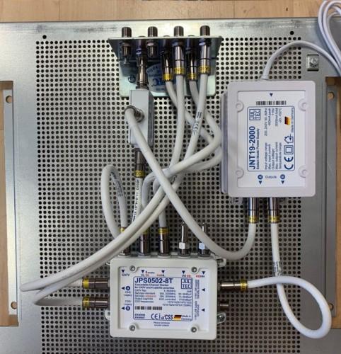 JultecJPS0502-8T_Breitband-LNB-Versorgung_Lochblech-Vormontage_Potentialausgleich (1).jpg