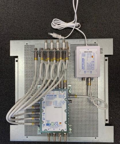 JultecJPS0506-8M_Breitband-LNB-Versorgung_Lochblechplatte_Potentialausgleich-Aufbau.jpg