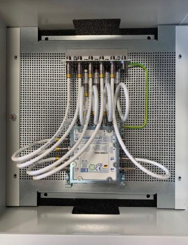 JultecJRS0502-4+4T_Unicable-Multischalter-Schaltschrank-Aufbau_1.jpg