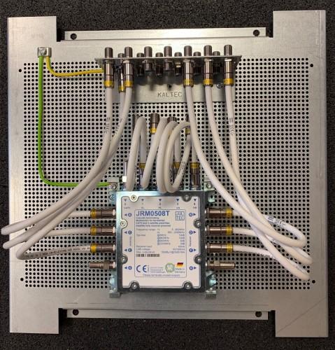 Jultec JRM0508T_Aufbau-Lochblechplatte_40x40cm_Potentialausgleich_Edit