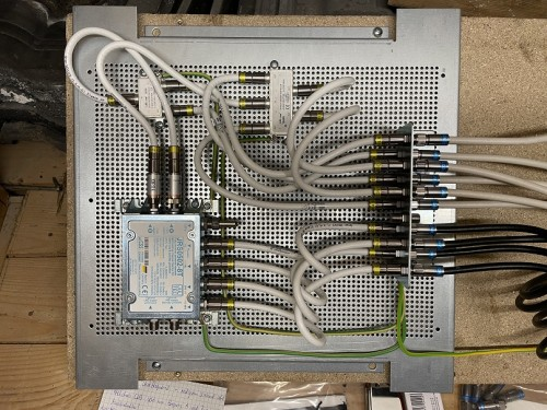 Endmontage Einkabel-Sat Anlage EFH 6-Zimmer (1).JPG