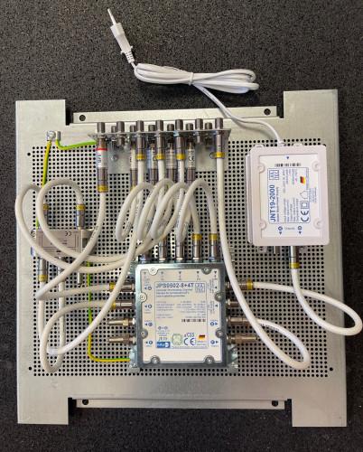 JultecJPS0502-8+4T_Legacy-Unicable-KombiMultischalter-Lochblechplatten-Aufbau-Potentialausgleich-Verteiler-Verteilung.jpg
