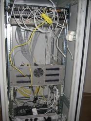 NetzwerkschrankLAN-Satanlage_Potentialausgleich_KameraTotale