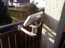 Selfsat-Antenen_Balkon-Halter_Befestigung-nach-innen.JPG
