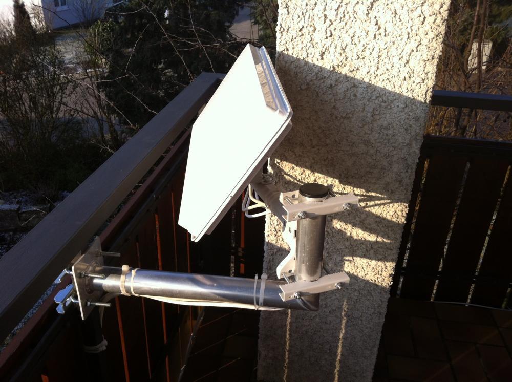 Selfsat-Antenen_Balkon-Halter_Befestigung-nach-innen (3).JPG