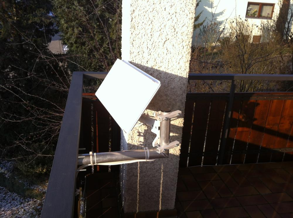 Selfsat-Antenen_Balkon-Halter_Befestigung-nach-innen (4).JPG