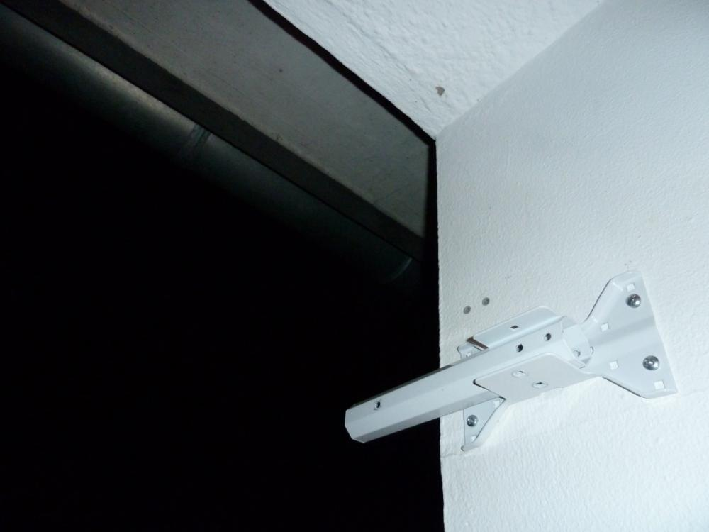 sat.flachantenne.wandhalterung.balkon.jpg