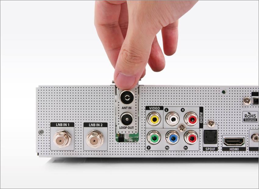FormulerF1_modulare_Tuner_austauschbar_sat-Kabel-DVB-T-DVB-S2-DVB-C.jpg