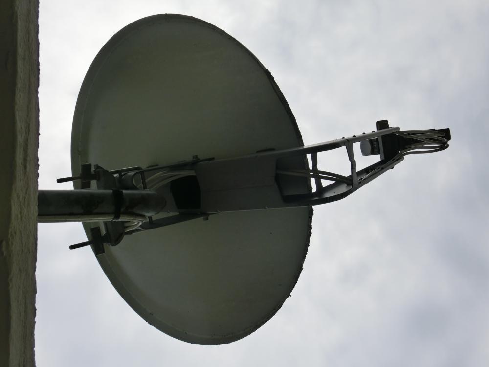 KahtreinCAS-Antenne_Quattro-Quad-LNB.JPG