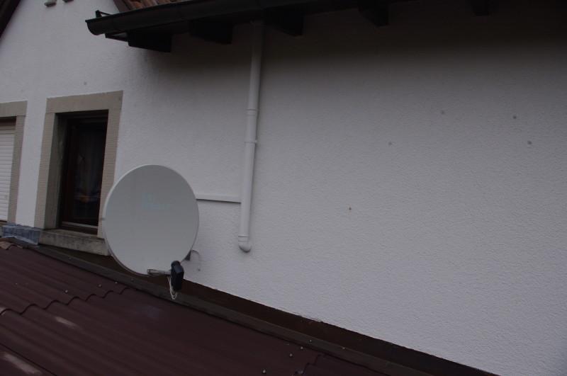 Satanlage_Antenne_Montageort_Wand-Dachrinne_Erdungsvorschriften.JPG