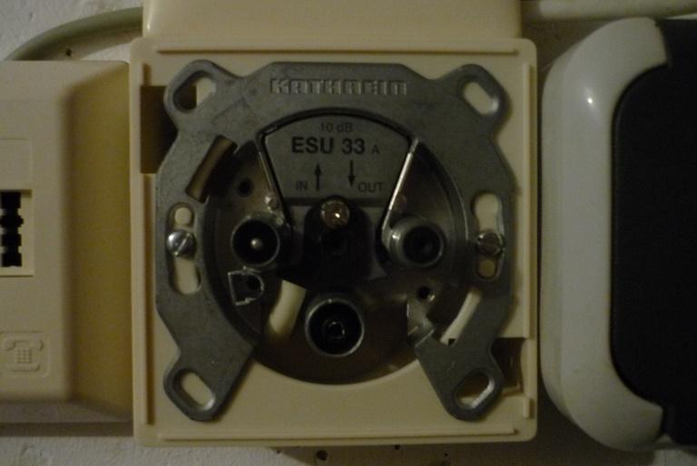 Unicable-Antennendose_Kathrein_ESU33-offen.JPG