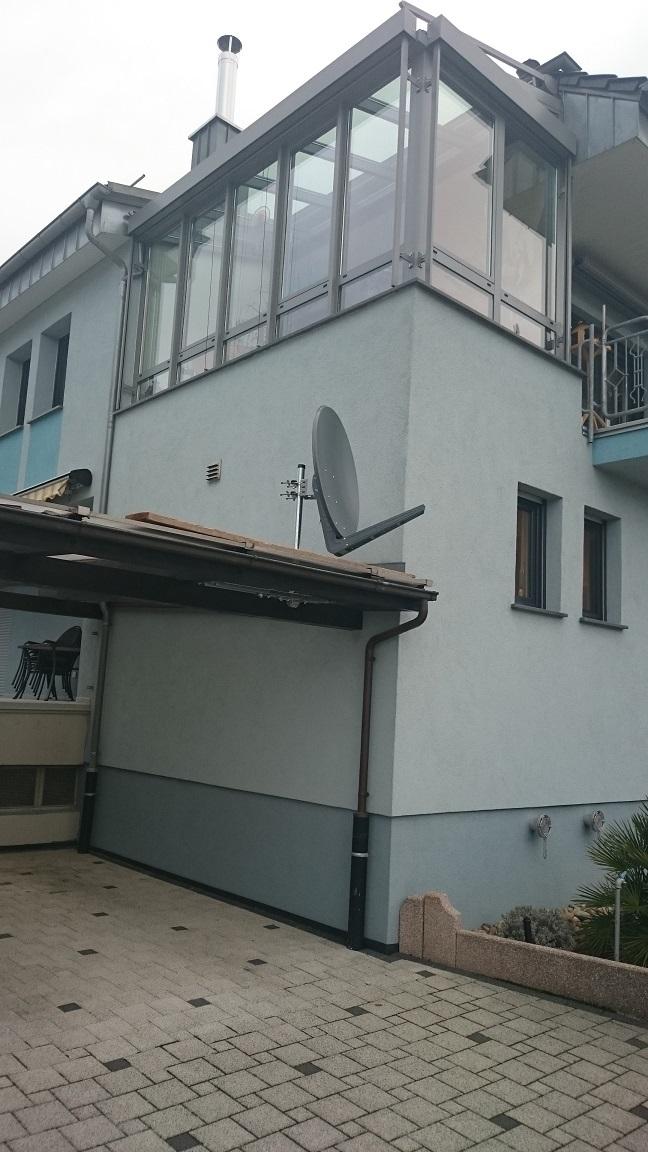 Sat-Antenne_Erdungspflicht-Carport_Hauswand_Abstand_1.JPG