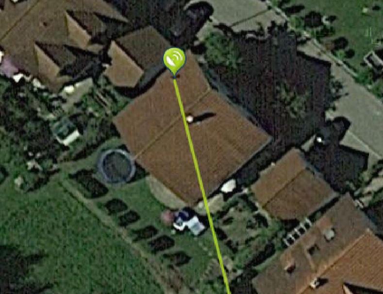 Antennenmast-Nordsach_Nordseite_Montage_Dachsparrenhalter_Winkel.jpg