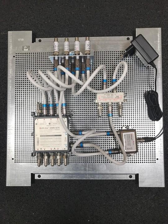 Dur-Line_DWB-32-K_Breitband-LNB-Versorgung_Wideband-Potentialausgleich-Verteiler-Voraufbau_Montage_Satanlage_JESS_EN50607 (1).JPG